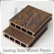 wood and plastic composite outdoor decking