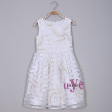 Moldeado elegante blanco de princesa dress kids con bowknot para el bautizo