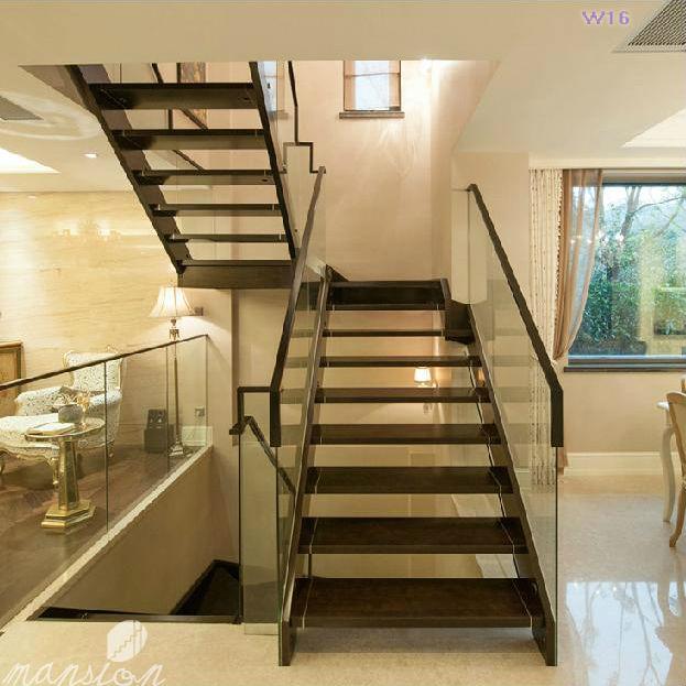 Moderna casa de cristal interior de las escaleras de - Escaleras de casas modernas ...