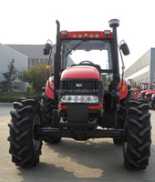 2015 hot selling 130HP 4x4 4WD Big Farm Tractor with AC cabin