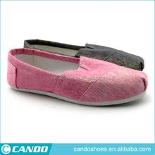 Diseño simple de color brillante <span class=keywords><strong>Alibaba</strong></span> zapatos de lona hombres calzado