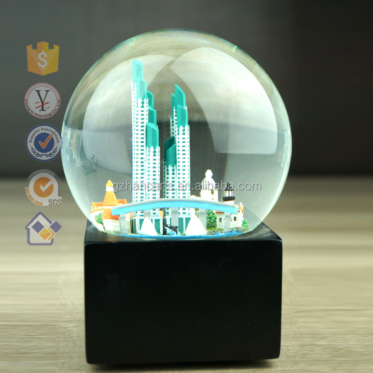 christmas snow globe resin crystal ball souvenir new york. Black Bedroom Furniture Sets. Home Design Ideas