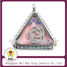 Fashion Crystal Locket Memorial Keepsake Jewelry Women Triangle Shape Floating Stainless Steel Magnetic Glass Locket Pendant