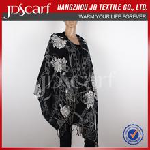 Wholesale Women winter wear warm thick black cashmere shawl with tassel