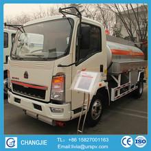 Sinotruck 4*2 6000 liter chemical liquid tanker truck