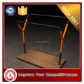 Maßgeschneiderte glänzende kleider rack edelstahl boden-display/Einzelhandel Anzeige/anzeige möbel/Anzeige stand/kleidung anzeige regal