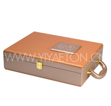 Simple Metal Tag Decorated Leather Wine Carrier