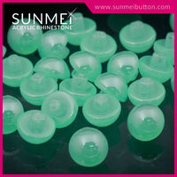 All Types of Fashion Fancy Acrylic Plastic Button for Garment