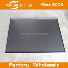 Aluminum sheet pan/a baking tray for small cakes/baking a tray of corn muffins takes