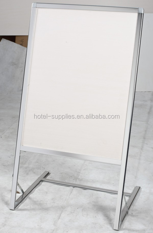 Adjustable poster frames