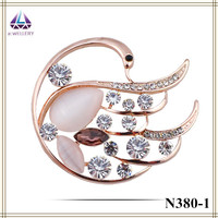 China swan real gold and plantinum opal cheap factory handmade brooch bouquet for women wedding