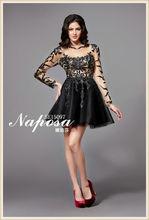 Vestido agraciado y textura noche! Decoración de cuentas delicado recoge el vestido de manga larga de encaje negro corto del bai