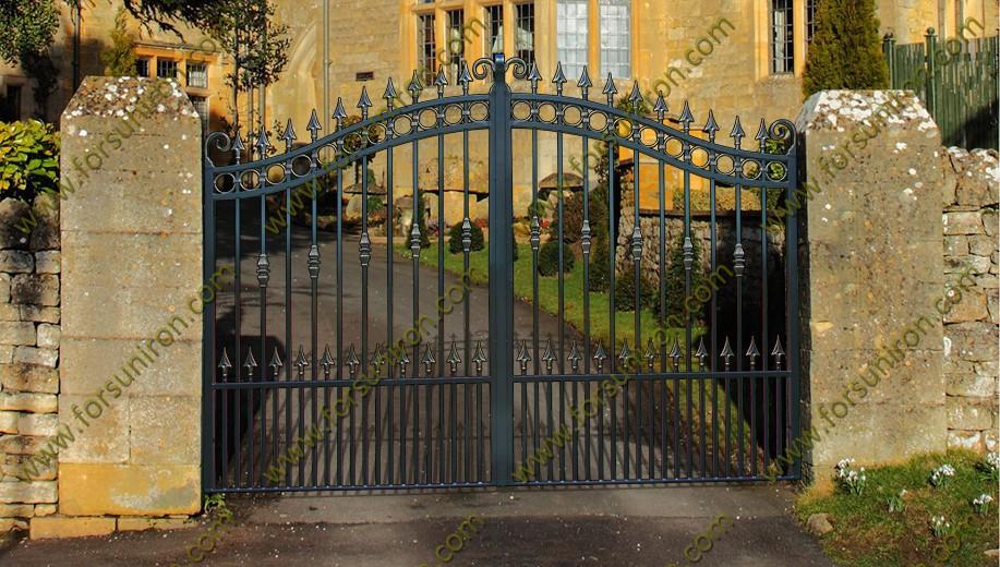 reparar puerta de entrada al jardn detalles puerta forja exterior cierre finca jardin baranda para escalera de hierro