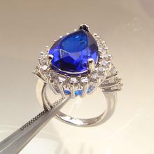 China al por mayor joyería de plata de profundidad de color topacio azul piedra del corazón anillos- 5.6g joyería de moda