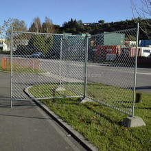 High tensile strength temporary construction chain link fence