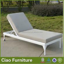 Easy clean garden furiture sun lounger / rattan chaise lounge