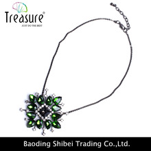 Christmas present for girl friend long chain with green rhinestone pendant necklace jewellry