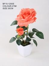 Realista imitación arreglo floral