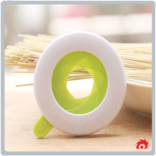 highly quality kitchen accessory noodle plastic Adjustable spaghetti measure