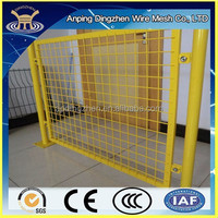 Hot sale 4x4 welded wire mesh fence prices all over the world