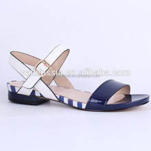 Nueva promoción de moda sandalias planas venta al por mayor 2015 mujeres