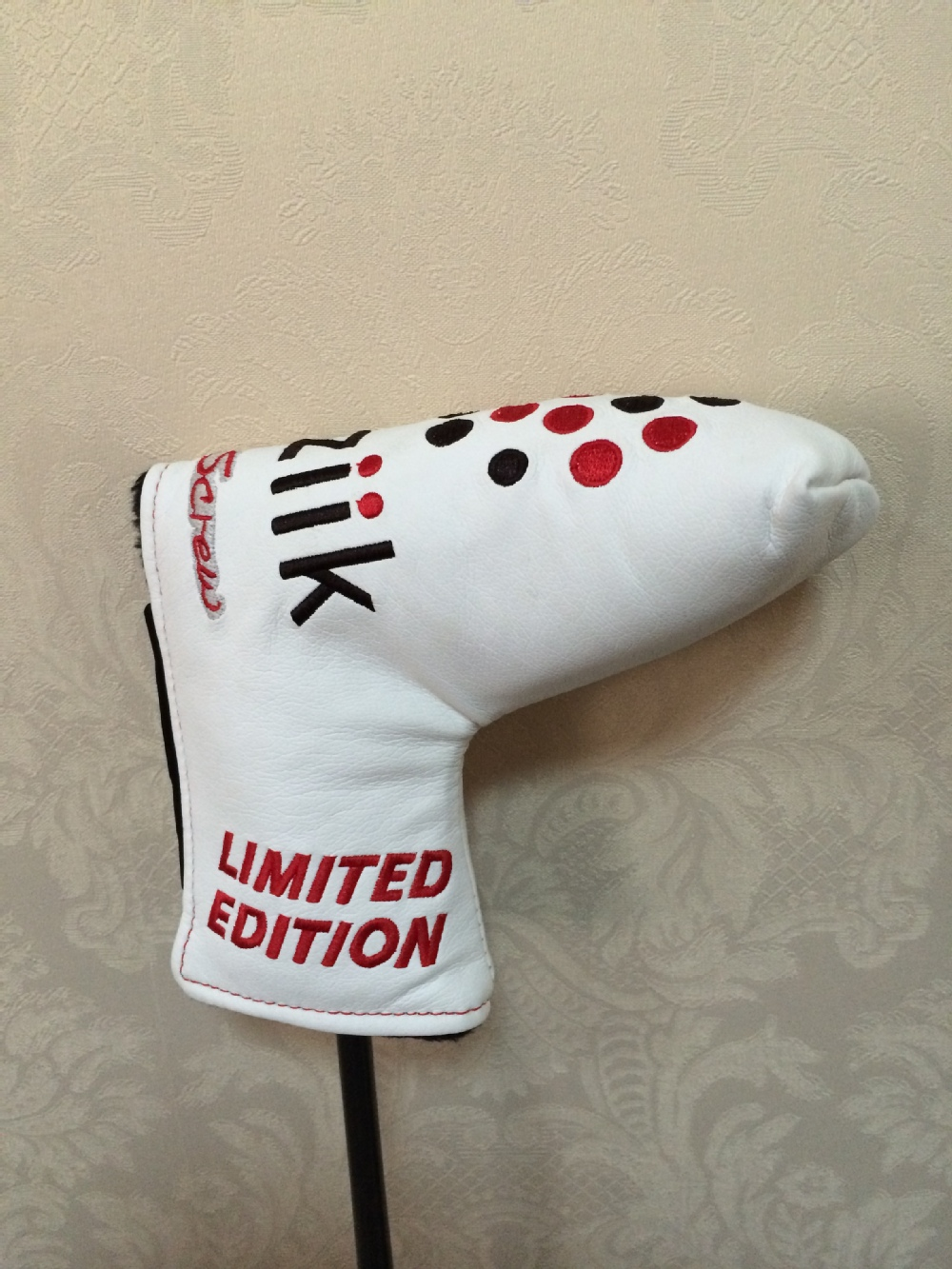 Graceful classic leather golf club head cover