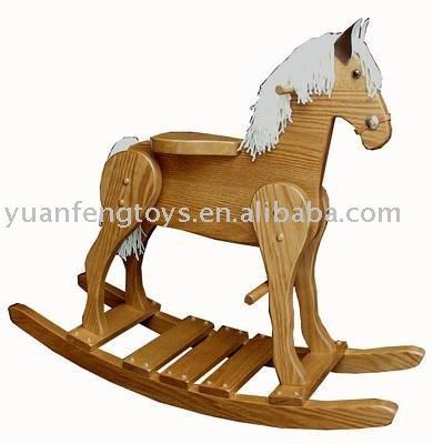 حصان خشبي هزاز للأطفال
