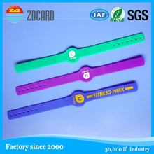 Factory directly wholesale Party Favors adjustable silicone bracelet with customized debossed logo