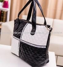 moda venta caliente bolsos acolchados elegantes bolsas estilo blanco y negro precio barato fábrica directa