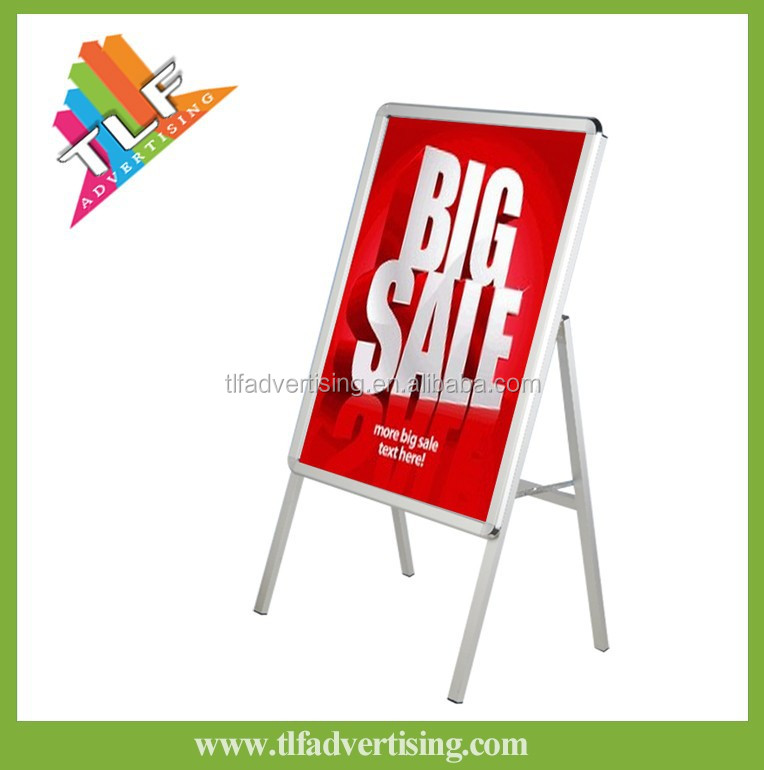 Self standing poster board