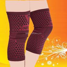 Elastic knee support sleeve keeping warm leg support
