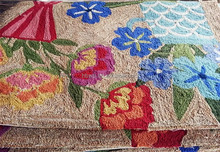 Flower design rugs and Flower Shaped Hand Made Carpets