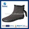 nuevo estilo descotados mujeres maduras de goma botas de lluvia con cordón