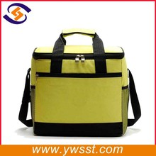High quality insulated fitness thermal 24 cans lunch cooler bag