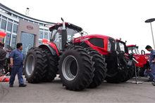 YTO 200HP 4WD farm Tractor,big power YTO-LA2004