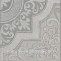 vidros e rústico piso cinza telha cerâmica