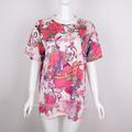 Mujer de verano lleno de colores de impresión t- shirt