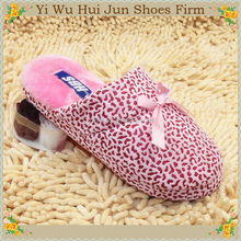 2015 New Design Custom Close D Toe Disposable Hotel Slippers Soft Solere Silver Sole Leopard Strap Mans Beads Slippers