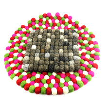 Hot sale fashion circles design wool felt balls Rug