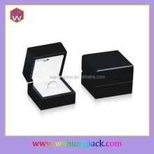 Paino painting black wood jewelry ring display holder