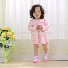 Muchacha del bebé del algodón calcetines de encaje con la venta al por mayor y transpirable