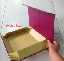 Customized folding book shape packaging box with magnet for present