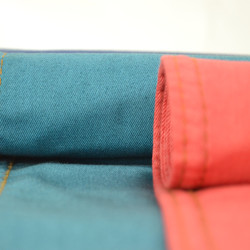 New Fashion Softness Viscose Twill Dyed Farbic for Garments in Guangzhou