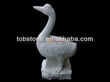 de mármol blanco ganso estatua
