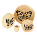 Graven logotipo de la mariposa del oído carne gálibo de los túneles tapón de madera