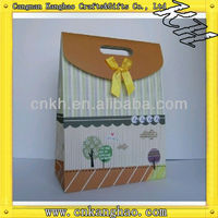 Cheap promotional paper bags,shopping bags with a bowknot