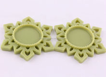 Wholesales 55MM Christmas Snowflake Frame Resin Setting Trays Cabochon Base fit 25MM Glass Cabochon