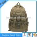 mochila militar con una correa