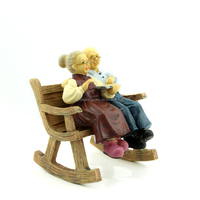 New European style creative crafts of loving Old couples who are reading resin sculpture