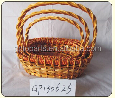 Golden cesta de vime/cesta do presente